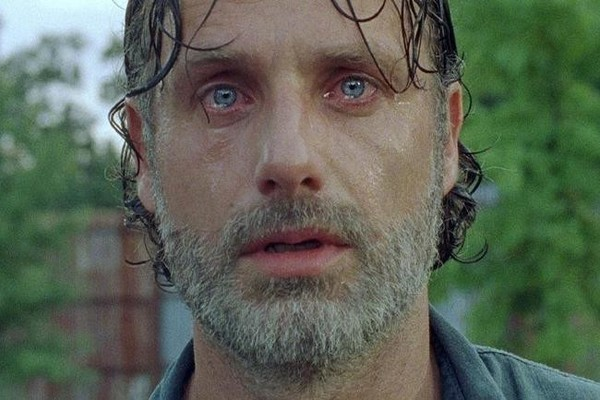 One Person Just Sacrificed Themselves in the Craziest Way on 'The Walking Dead' Season 7 Finale