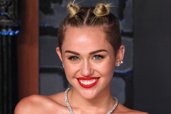 News Flash: Miley Cyrus Dyed Her Hair Brown