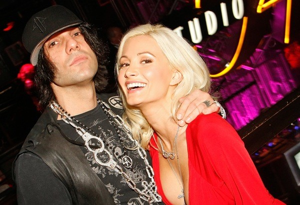 Is holly madison still dating chris angel
