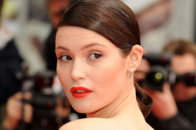 7 Inspiring Beauty Looks From Gemma Arterton