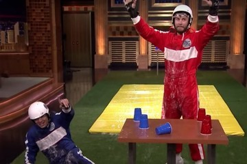 Liam Hemsworth Brings in Summer With a Game of 'Slip & Flip' on 'Jimmy Fallon'