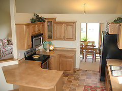 Pics Of What Color Floor Tiles Go With Oak Cabinets Oak