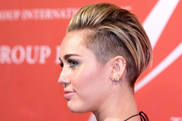 Hot Hairstyle How-To: Miley Cyrus' Cool Quiff