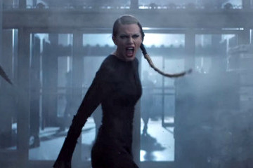 Watch Taylor Swift Fail This 'Bad Blood' Stunt