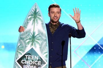 Justin Timberlake Offers Words of Wisdom at Teen Choice Awards: 'Respect People From Every Walk of Life'
