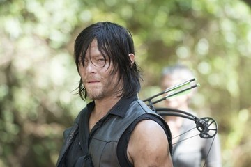 'The Walking Dead' Recap: It's Time to Play Dead