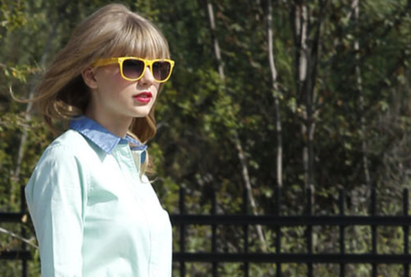 Taylor Swift to Guest Star on 'New Girl', The New Wolverine Trailer, and More!