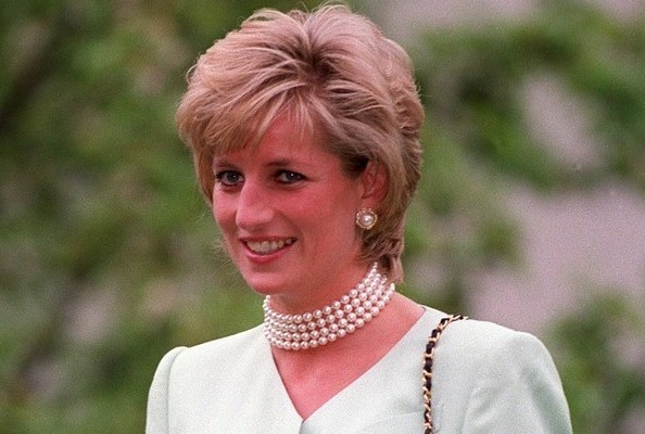 Please Let This Be True: Princess Diana Dressed in Drag, Went Clubbing With Freddie Mercury