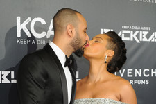 Alicia Keys and Swizz Beats Are Adorable on the Red Carpet