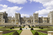 25 Ridiculously Regal Homes Of The Royal Family