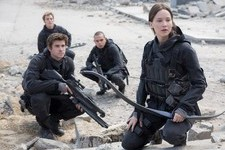Jennifer Lawrence Shares First Sneak Peek of 'Mockingjay - Part 2'