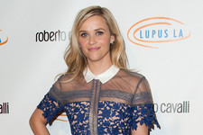 Reese Witherspoon Lunches for a Good Cause