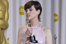 Anne Hathaway Says She 'Had to Pretend' to Be Happy During Oscar Win