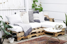DIY To Try: Pallet Couch