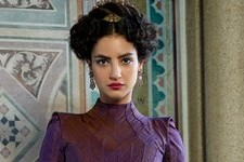 Medalion Rahimi Spills on New Shondaland Series 'Still Star-Crossed' & Why You'll Fall in Love With Princess Isabella