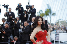 Look of the Day: Aishwarya Rai's Cannes Stunner