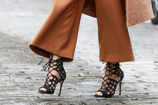 7 Things Girls Who Can't Walk in Heels Understand