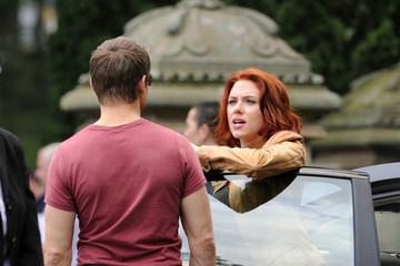 """Scarlett Johansson Jeremy Renner Stars on the Set of """"The Avengers"""" in NYC"""