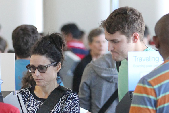 Julia Louis Dreyfus Sons Julia Louis Dreyfus Drops Off