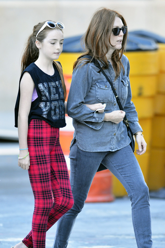Julianne Moore and Liv...