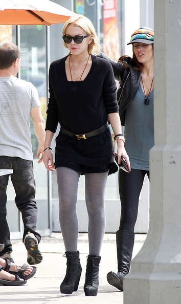Ali Lohan - Lindsay Lohan and her sister Ali turn a few heads while out doing some shopping together in Venice Beach