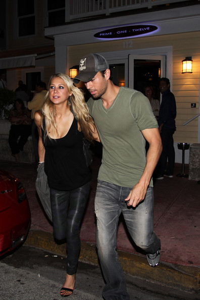 Enrique iglesias still dating anna kournikova