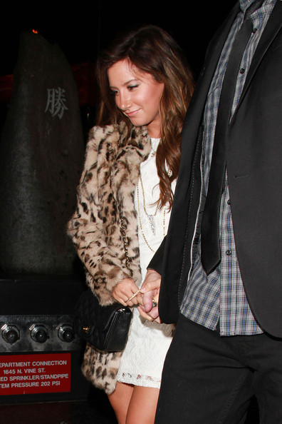 "Ashley Tisdale A tanned Ashley Tisdale, ""High School Musical,"" dines out at Katsuya restaurant with her current beau, Scott Speer."