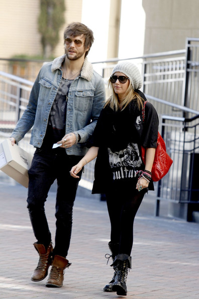 ashley tisdale and martin johnson go shopping zimbio