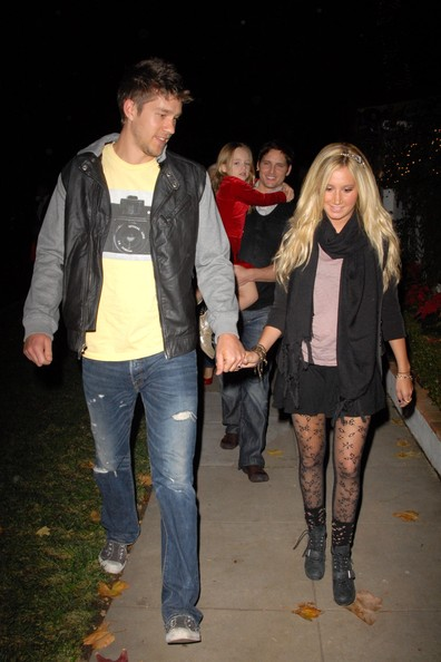 Ashley Tisdale Ashley Tisdale and boyfriend Scott Speer start the festive season early at a celeb-packed party in LA. They are followed here by Peyter Facinelli and one of their three daughters.