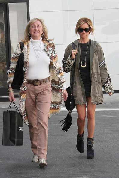 Ashley Tisdale Shops With Her Mom