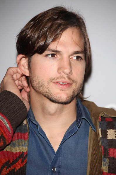 Ashton+Kutcher+Paris+Premiere+Sex+Friends+btSCOu4SR6ll Clebes Jose André