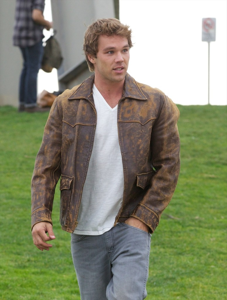 lincoln lewis - photo #25