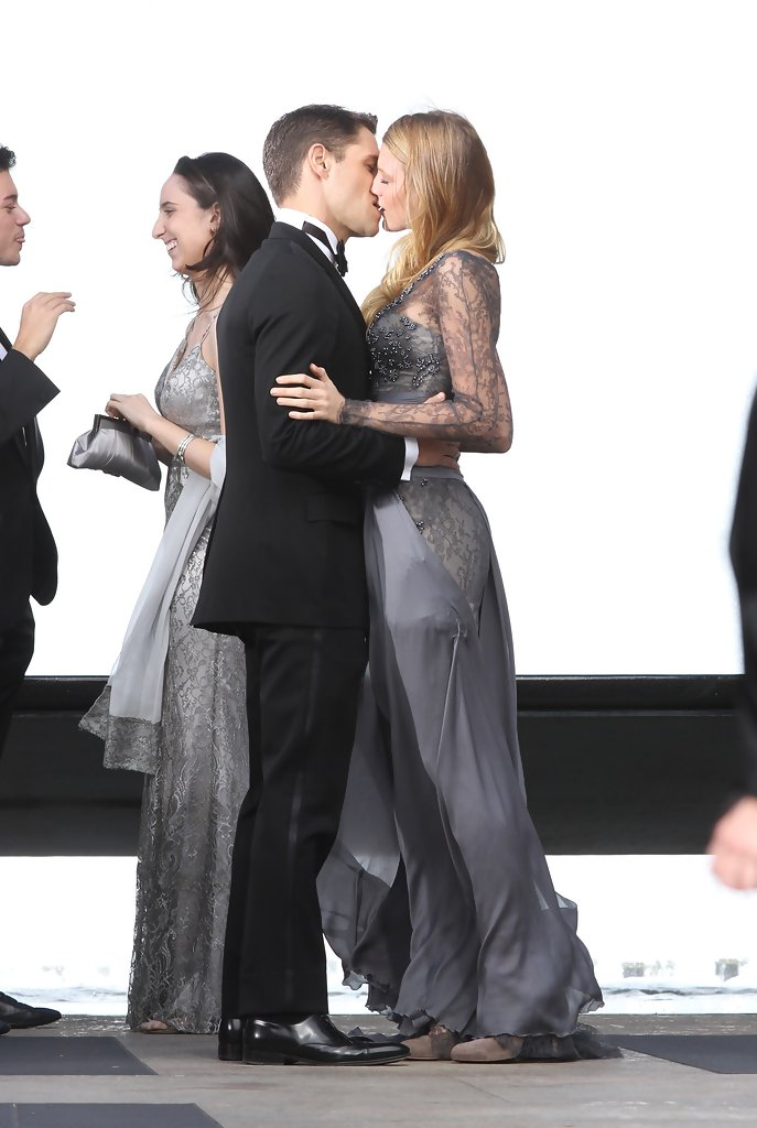 Photo Page: Blake Lively And Sam Page On