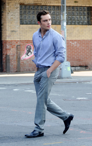 Ed Westwick, looking dapper as always in his Chuck Bass outfit, struts onto the set of