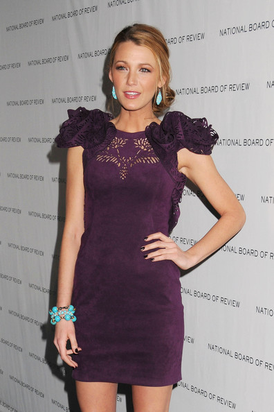 http://www3.pictures.zimbio.com/pc/Blake+Lively+wows+plum+Marchesa+Spring+2011+aCa9mQK-AA_l.jpg