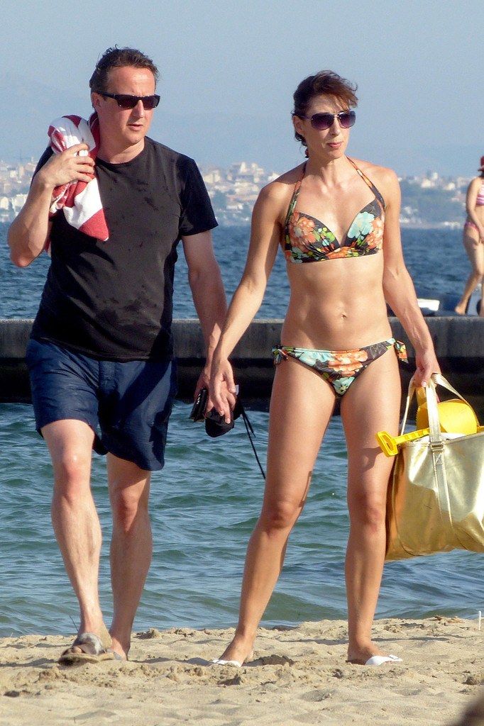 France: The mystery of the bikini-clad minister