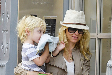 Cookie Monster  Naomi Watts and Family in NYC