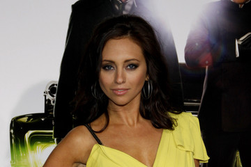 """Nicole Dabeau Los Angeles Premiere of """"The Green Hornet"""""""