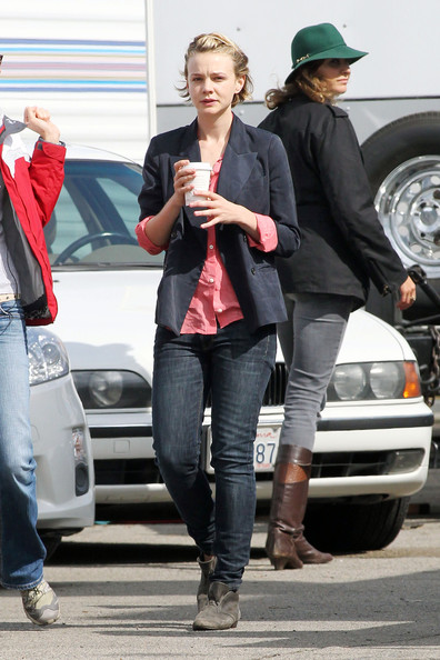 "Carey Mulligan Carey Mulligan, who allegedly recently split from her boyfriend Shia LaBeouf, keeps focused on work as she is spotted on the set of her upcoming film ""Drive""."