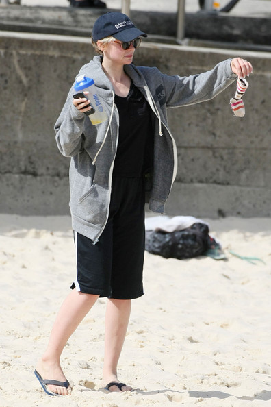 Carey Mulligan Photos Photos Tobey Maguire And Family At