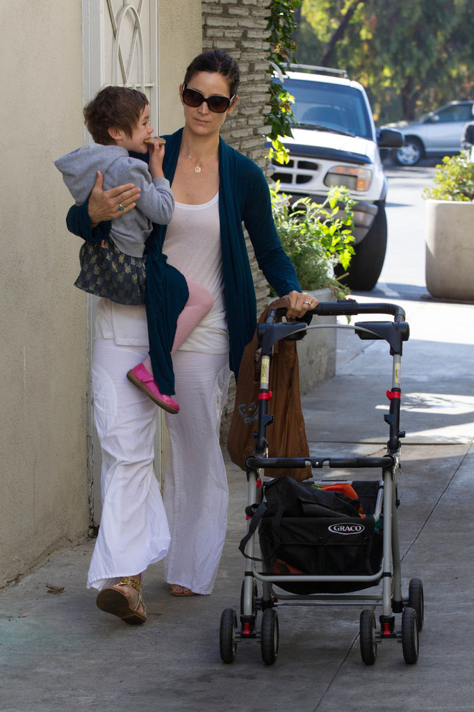 Carrie Anne Moss Out With Her Daughter Zimbio