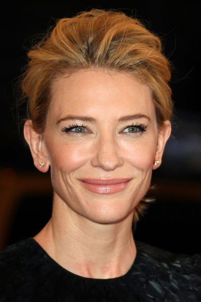 http://www3.pictures.zimbio.com/pc/Cate+Blanchett+Celebs+Costume+Institute+Benefit+HyK2CxAHQptl.jpg
