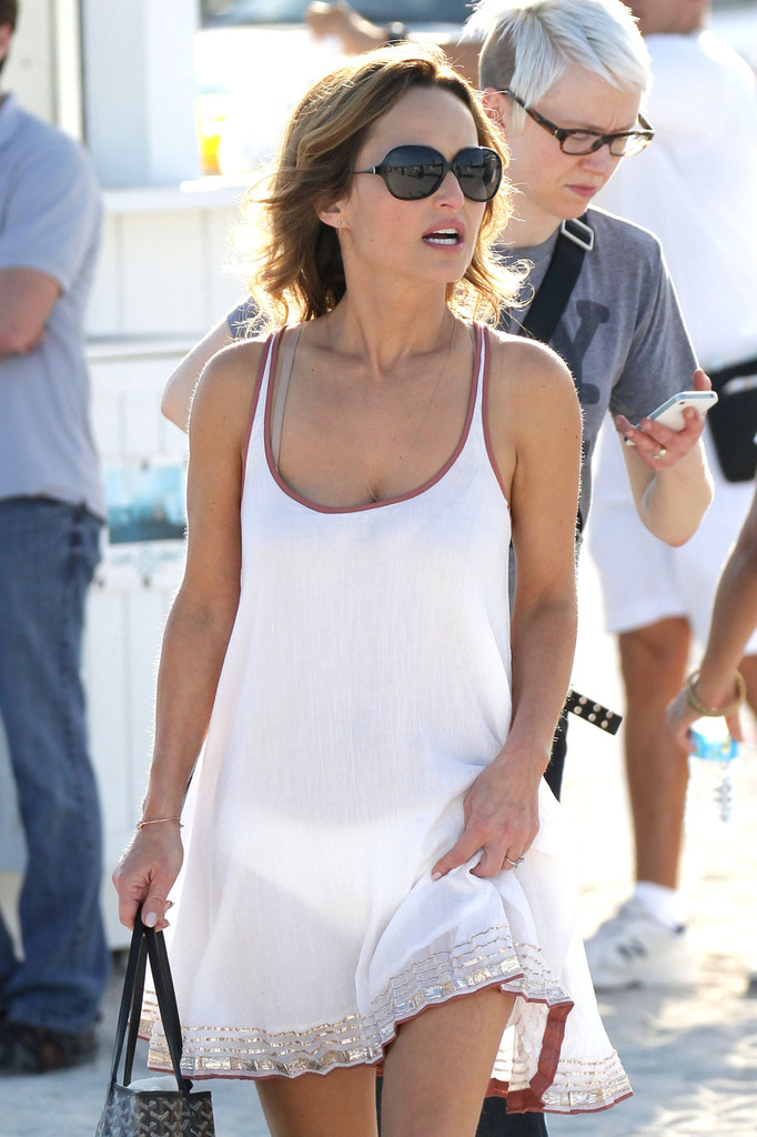 dating after husband dies Celine dion lost her husband, rené angélil, after a long battle with throat cancer more than a year ago, but the how does a moment last.