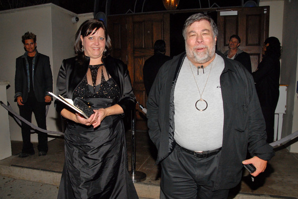 "Steve Wozniak Steve ""The Woz"" Wozniak and fourth wife Janet Hill at Boulevard 3, as past and present stars of ""Dancing with the Stars"" mark the end of season nine. Veteran crooner Donny Osmond took the coverted mirrorball trophy in the finale of the hugely-popular celebrity dance show."