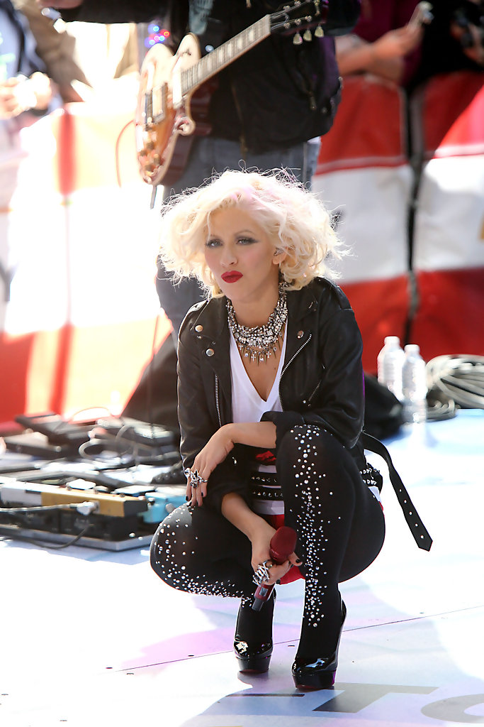 Christina Aguilera Performs On The Today Show Zimbio