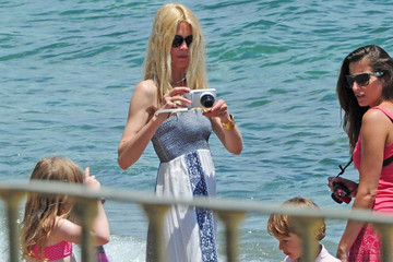 Claudia Schiffer Claudia Schiffer and Mathew Vaughn Hit the Beach