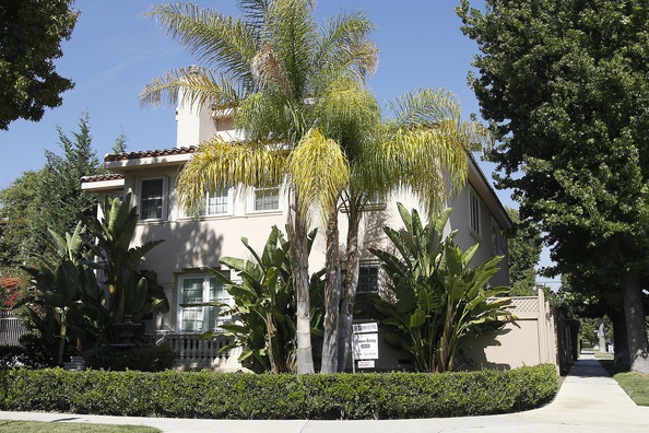 toluca lake buddhist personals Top buddhist temples in silver lake, los angeles, ca, united states - thien hau temple, kadampa meditation center hollywood, xuan wu san charity, tahl mah sah buddhist monastery & temple of america, teo-chew association of.