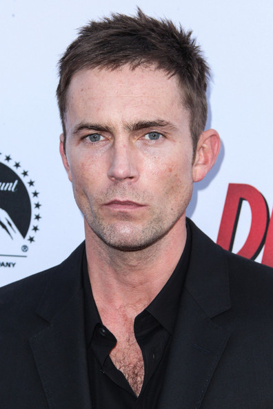 desmond harrington wife