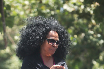 Diana Ross Diana Ross Goes on a Grocery Run