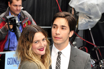 Drew Barrymore Justin Long Drew Barrymore and Justin Long at the Premiere of 'Going the Distance'
